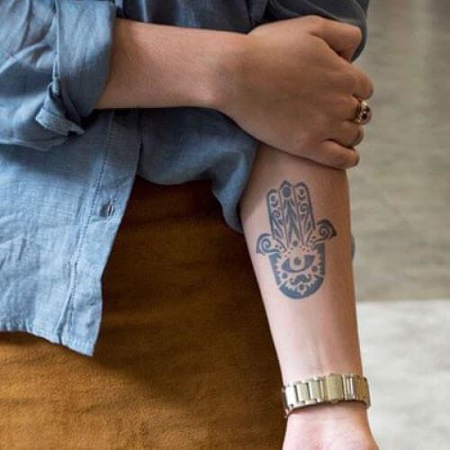 Eres Divina by Inkbox is a Spiritual temporary tattoo from inkbox - 5