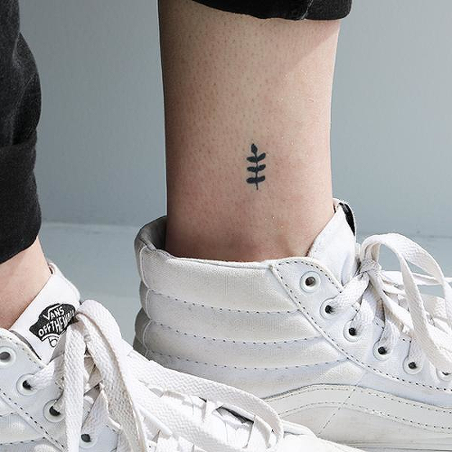 Helecho by inkbox is a Flowers temporary tattoo from inkbox - 0