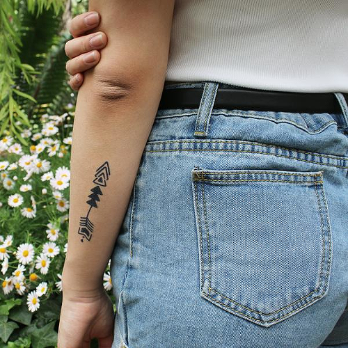 Holus-Bolus by inkbox is a Arrows temporary tattoo from inkbox - 0