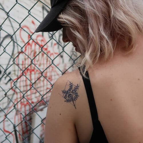 Saponaria by inkbox is a Flowers temporary tattoo from inkbox - 1